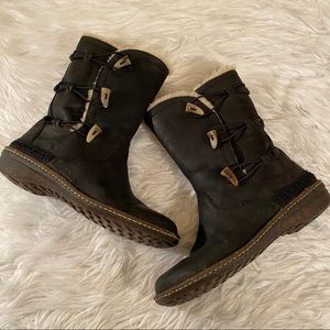Ugg 11 Blk Leather Toast Kona Elastic Toggle 5156